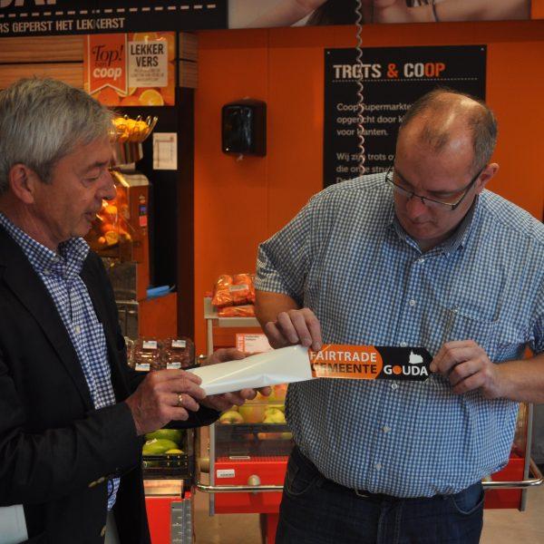 Fairtrade sticker uitreiking Coop DSC 0078